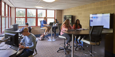 students in the Ohio Hall learning center
